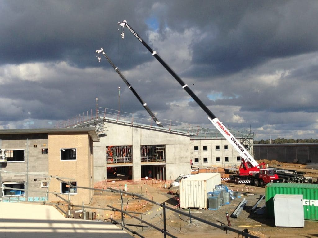 Dealing with Dangerous Weather when using Mobile Cranes