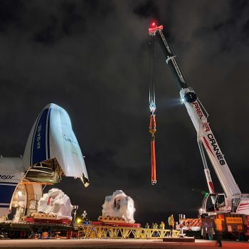 Mobile Crane Lifting Wind Turbine Gearboxes